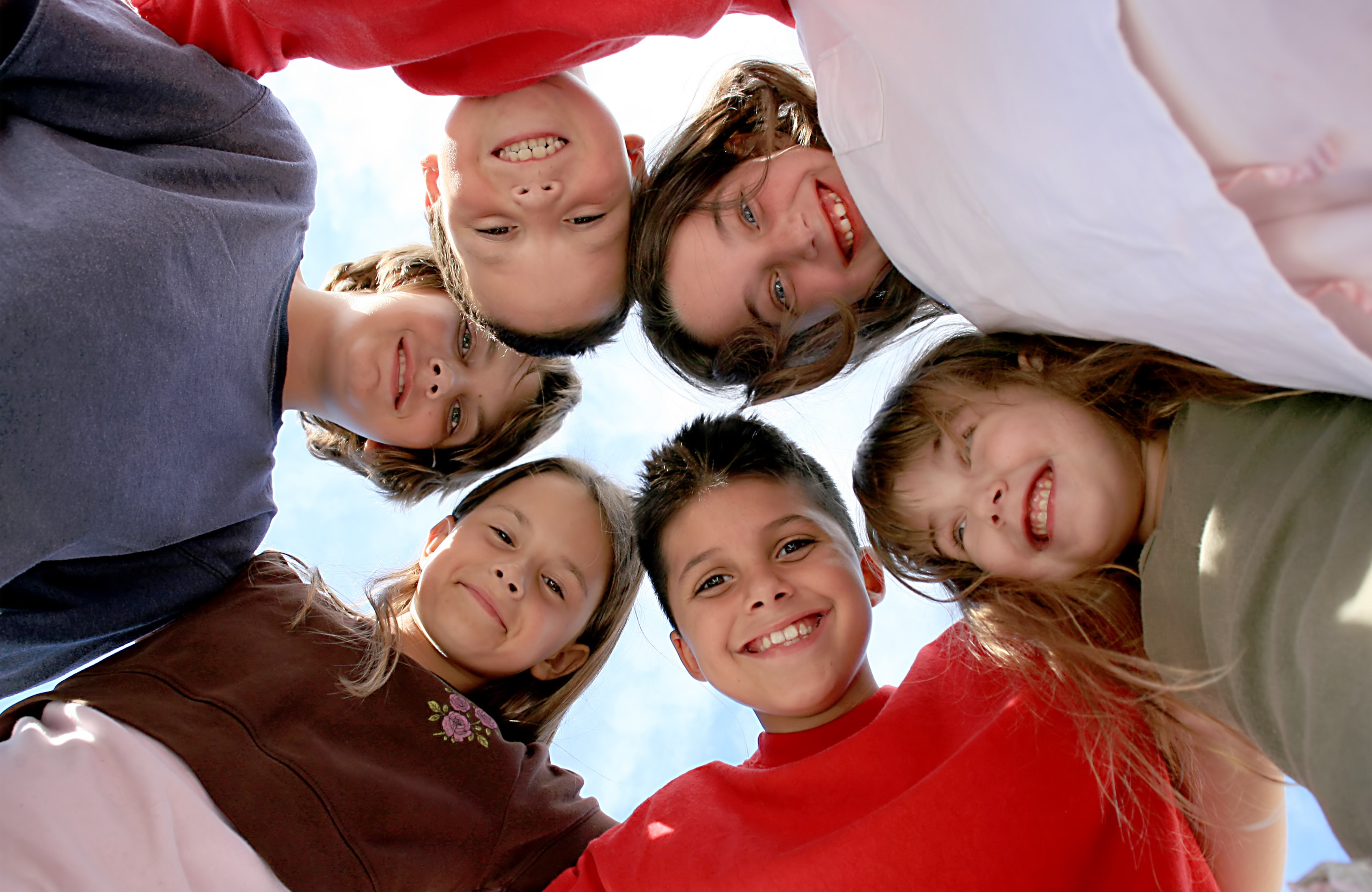573255-happy-healthy-kids-hanging-out.jpg